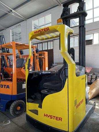 Empilhador retratil HYSTER 1500 kgrs eleva a 9 metros bateria nova