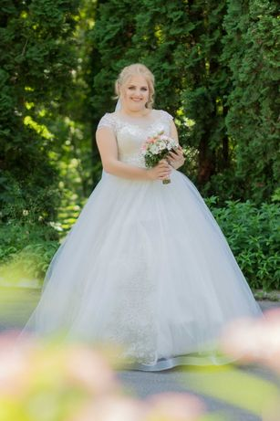 Весільна сукня недорого