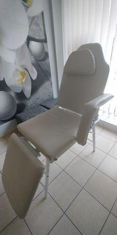 Fotel kosmatyczny.