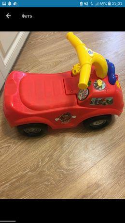 Автомобиль толокар машина