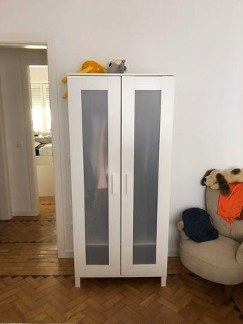 Roupeiro, secretária e cadeira , tudo novo, marca IKEA