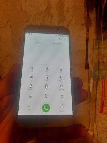 Samsung Galaxy A5 2017г. А520F Duos 3/32Gb в идеальном состоянии