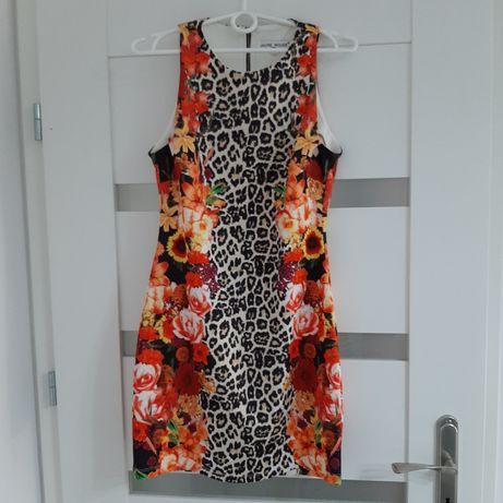 Sukienka w stylu hawajskim