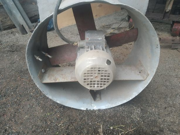 Мотор з вентилятором