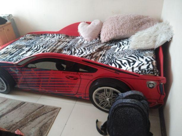 Łóżko młodzieżowe auto