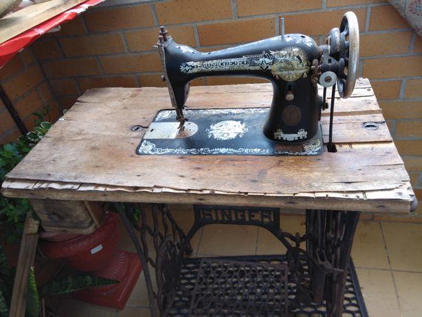 Máquina de costura Singer de 1929 por restauro