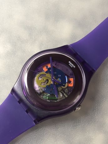 Swatch Purple Lacquered (Suov100) - Relógio Roxo (Usado mas estimado)