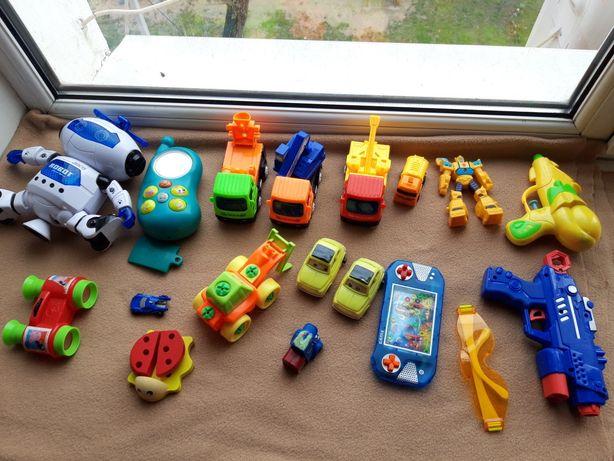 Игрушки для мальчика одним лотом, робот + машинки