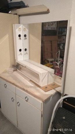 Móvel de WC lacado com espelho