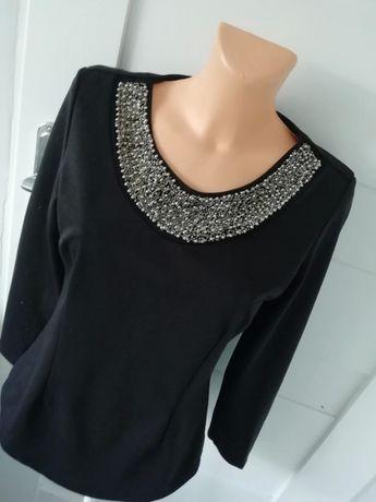 czarna elegancka bluzeczka koraliki