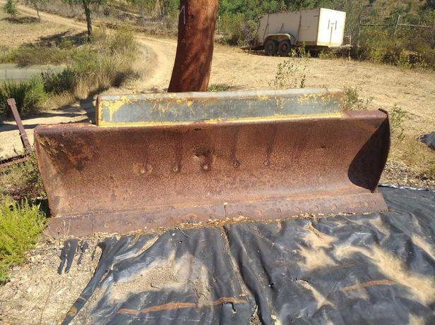 Lámina usada para buldozer - 2,65x0,8 metros - giratória e inclináve