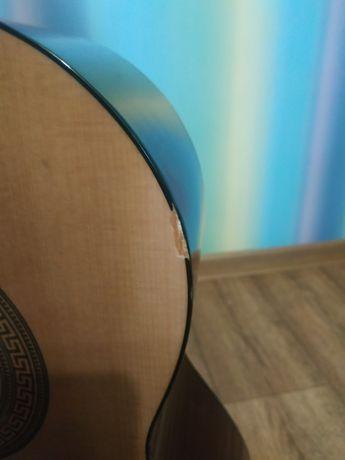 Классическая гитара. Хорошее состояние. Нейлоновые струны в комплекте.