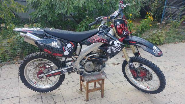 Мотоцикл кросс Honda CRF450R обмен на квадроцикл или эндуро