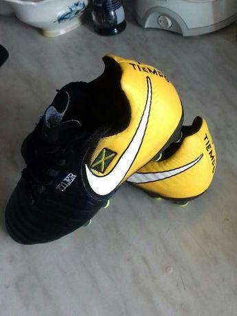 Футбольные бутсы, буци, копачки Nike Tiempo Ligera Футбольні бутси