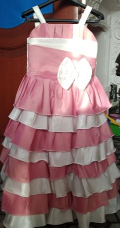 Нарядное платье на 3-4года