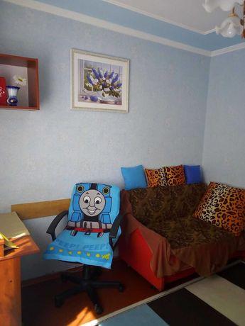 2-х комнатная квартира на 4 м/р.