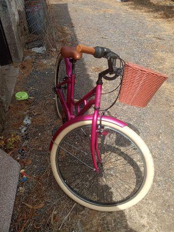 Imperdível bicicleta de senhora