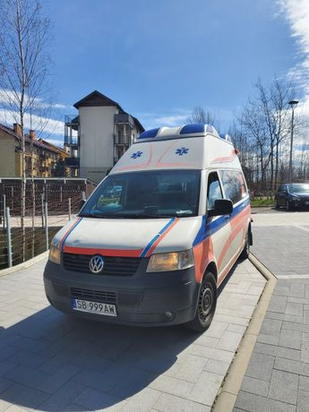 Volswagen transporter T5 ambulans karetka kamper zamienię