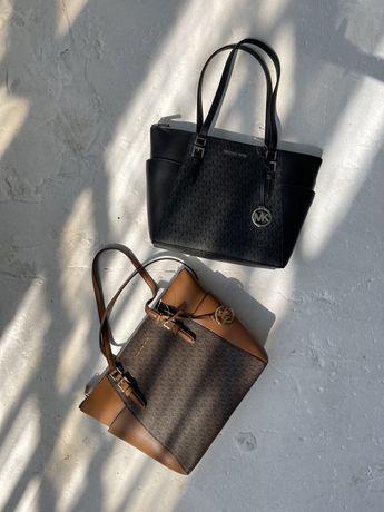 Продам сумку MICHAEL KORS Charlotte Large Logo And Leather Top-Zip Tot