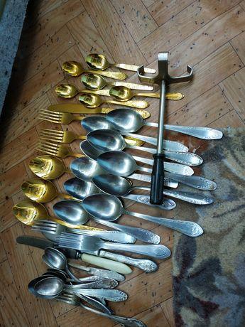 Ложки столовые и чайные.ножи.