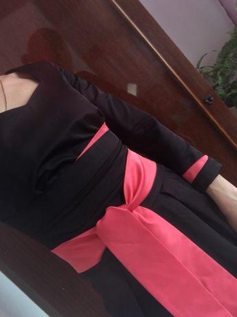 Гарне чорне плаття