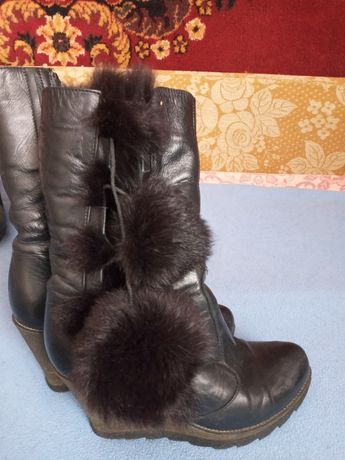 Продам шкіряні чоботи 37р
