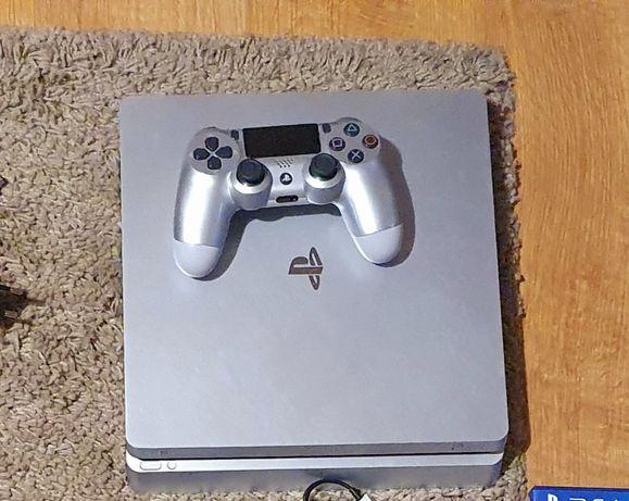 PlayStation 4 +2 pady + gry