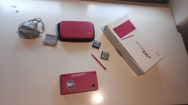 Nitendo 2 DS com dois Jogos e caixa