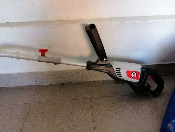 Aparador eletrico de fio Sterwins EGT2-30.3 semi novo, com caixa
