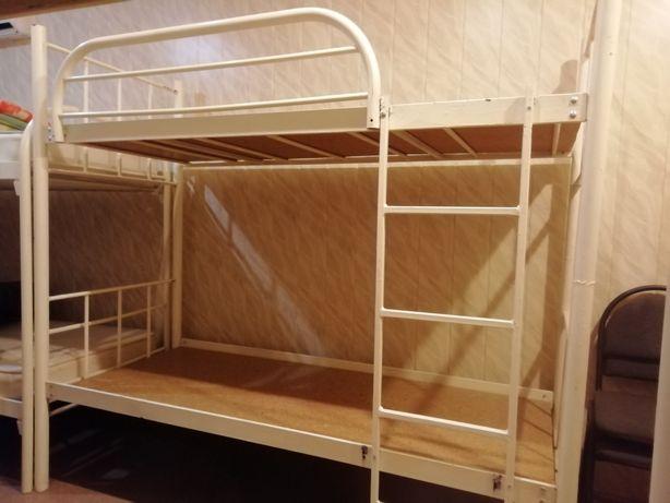 Кровати двухьярусные, в хорошем состоянии продаю