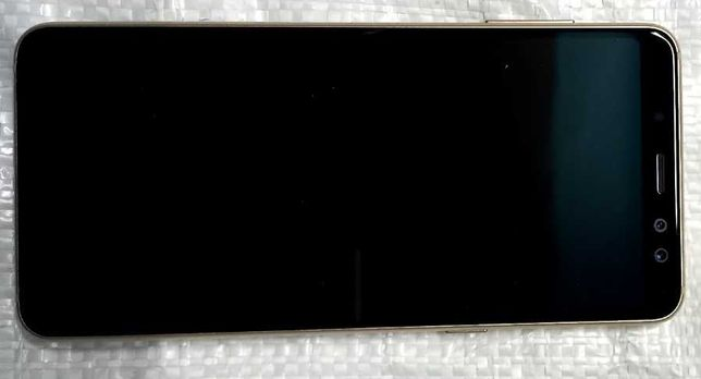 Телефон Самсунг Galaxy A 8