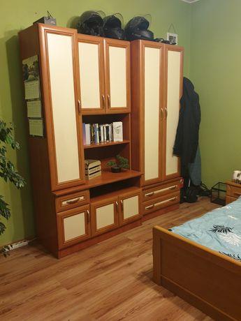 Szafa oraz półki na ubrania