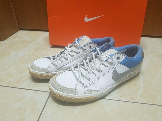 Białe damskie Nike buty sportowe 40 niebieskie srebrne