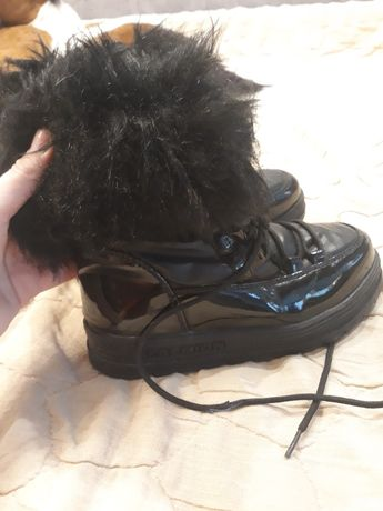 Продаю зимові чоботи для дівчинки