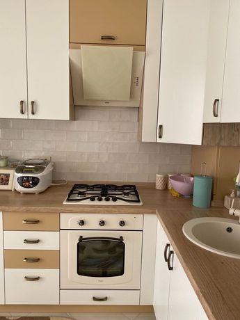 Продам 2к квартиру с дорогим ремонтом, мебелью и техникой.