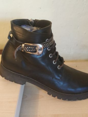 Ботинки кожаные..