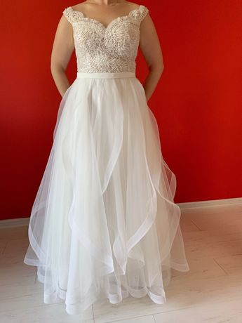 Piękna suknia ślubna, model 2019