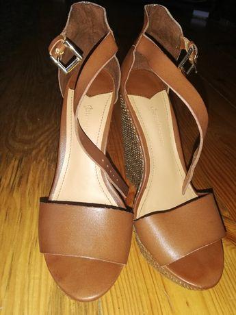 Sandałki na koturnie Stradivarius roz. 36