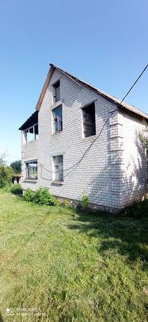 Продам 2 дома на берегу водохранилища по цене одного.18.600$