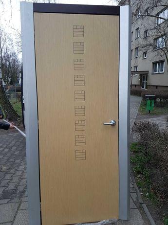 Drzwi włoskie wewnętrzne powystawowe