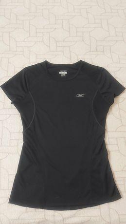 Женская черная футболка reebok