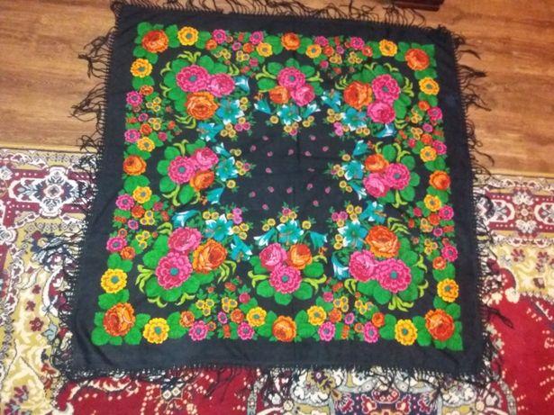 Старовинний шерстяний платок
