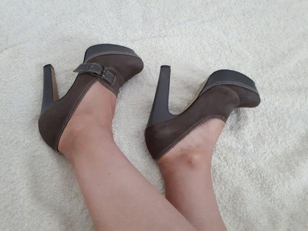 Туфлі жіночі осінь - весна , нубук