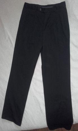 czarne spodnie materiałowe eleganckie M