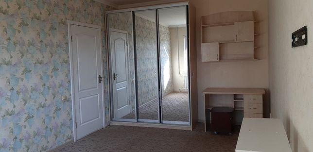 Центр! Здам 2-кімнатну квартиру.