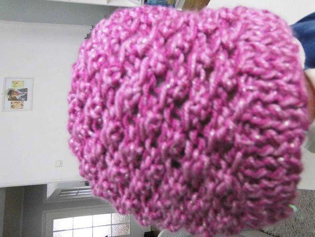 Nowe czapki na drutach