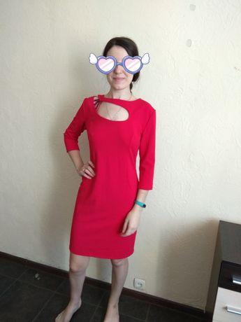 Короткое красное  платье с биркой