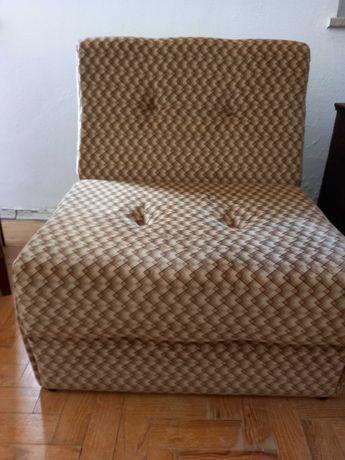 Sofá cama desdobrável €120