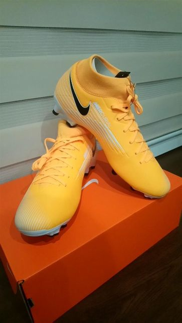 Korki, lanki, Nike 42