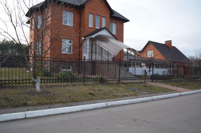 Продаю 2 дома в с. Иванковичи Васильковского р-на. 15 км от Киева